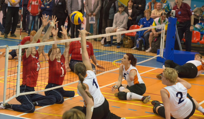Initiation au volley assis