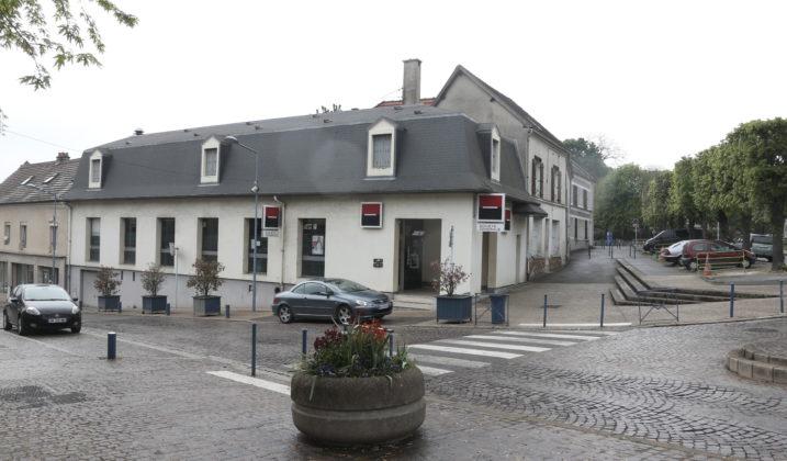 Fermeture de la Société Générale du Bourg : madame le maire s'adresse au Directeur