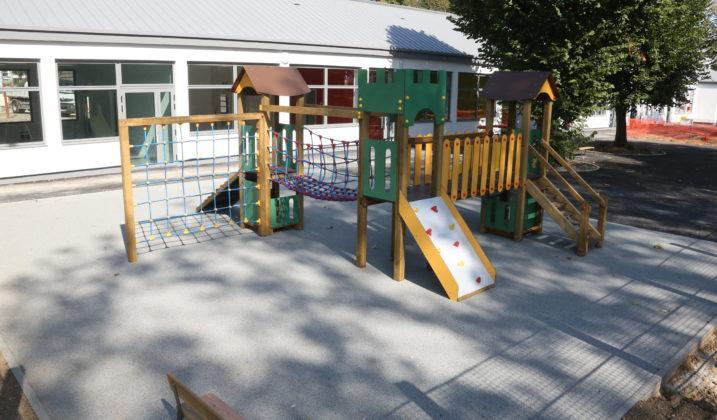 Inauguration de l'école Anne-Claude Godeau