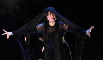 Belladonna, entre femme et sorcière