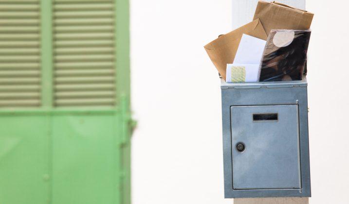 Bientôt les vacances!  Qui s'occupe de votre courrier?