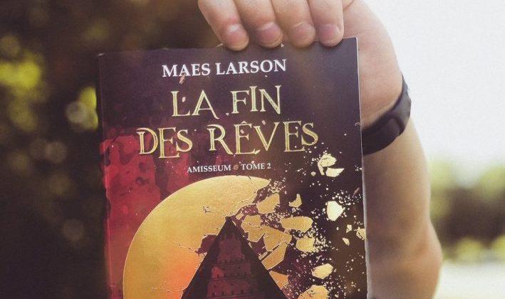 Rencontre-dédicace avec Maes Larson
