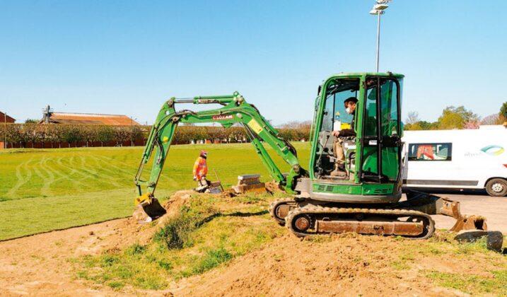 Création d'un terrain de football plaine Guy Môquet
